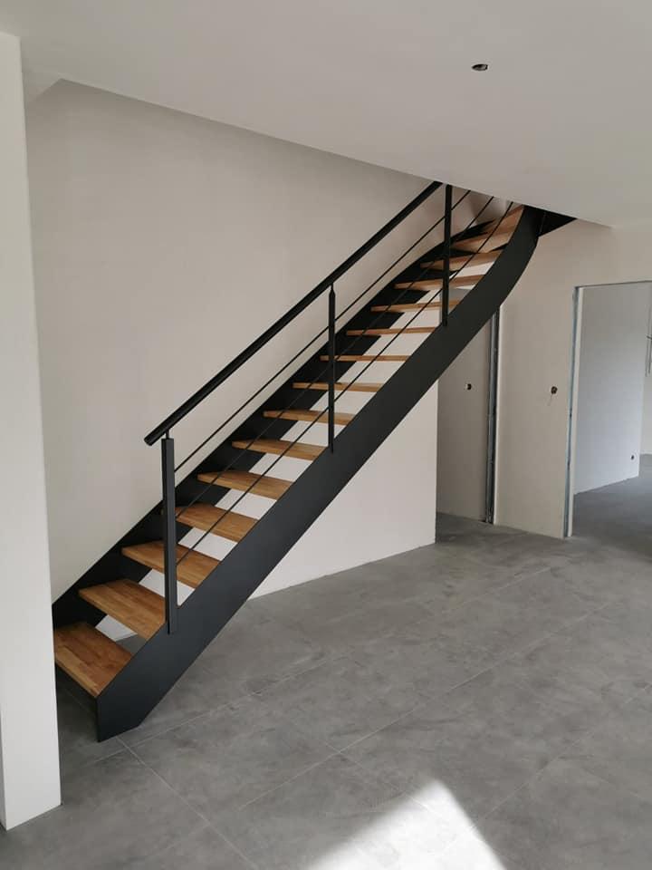 Escalier droit noir Vendée - ABEG